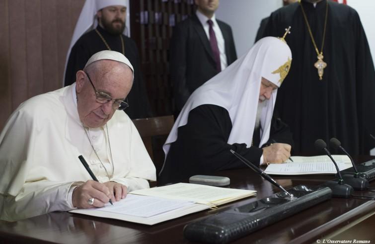 Lo storico incontro tra Papa Francesco e Patriarca Kirill (Cuba, 12 febbraio 2016)
