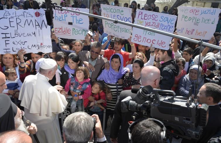 Papa Francesco, Bartolomeo I e Ieronymos II al Mòria refugee camp (Lesbo, 16 aprile 2016)