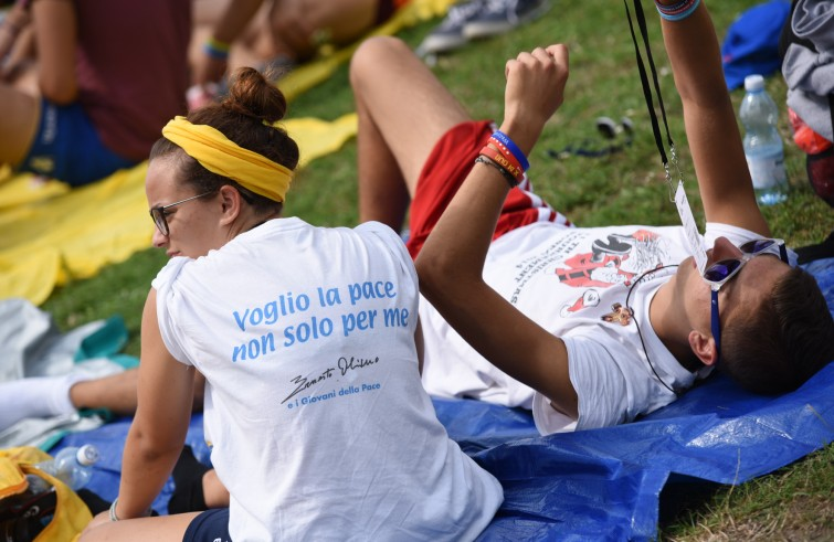 Papa francesco messaggio gmg2017 essere giovani non - Papa francesco divano ...