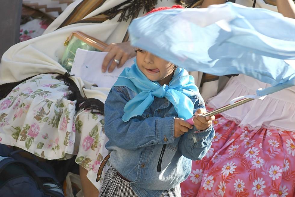 Piazza San Pietro, 19 ottobre 2016: Udienza generale Papa Francesco - bambina con bandiera Argentina