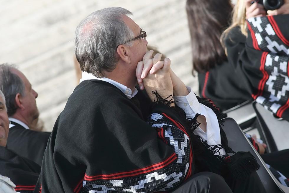 Piazza San Pietro, 19 ottobre 2016: Udienza generale Papa Francesco - fedeli con mani incrociate