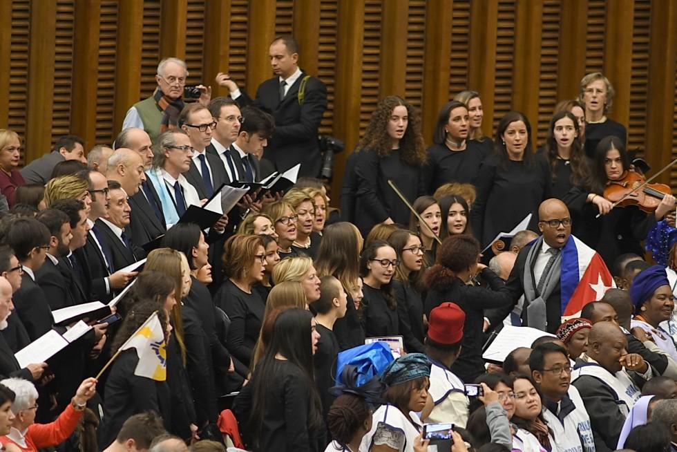 Aula Paolo VI, 7 dicembre 2016: Udienza generale Papa Francesco - coro di Cuba