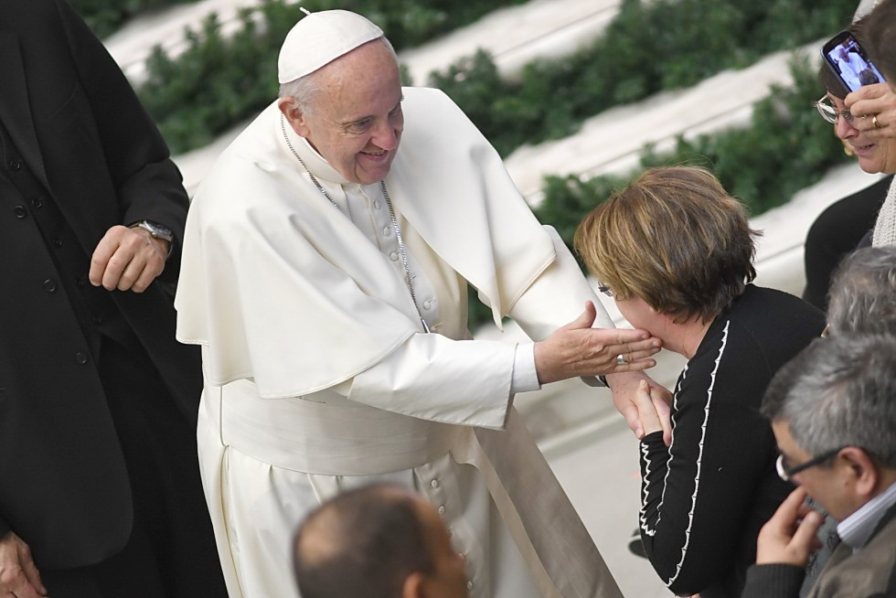 Aula Paolo VI, 7 dicembre 2016: Udienza generale Papa Francesco - saluto ai malati