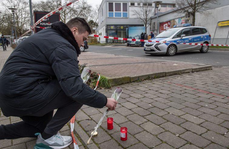 Flores en el lugar del atentado